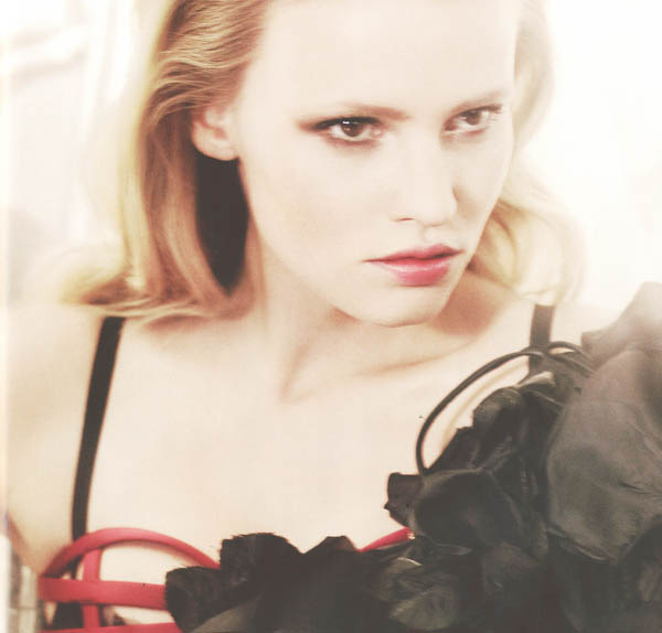 Лара Стоун (Lara Stone) фото.